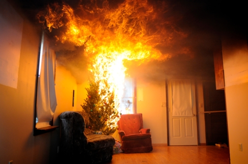 Christmas-Tree-Fire-Prevention-atlanticaalarmnj.jpg